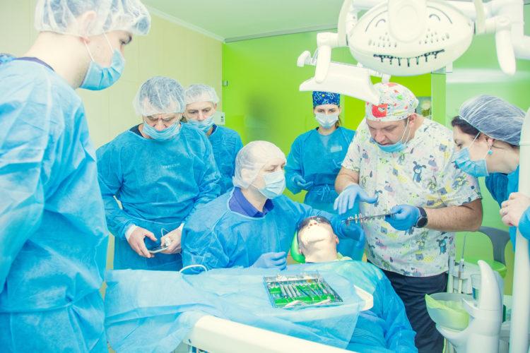 istomatolog имплантация